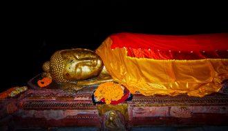 Photo de bouddha allonger